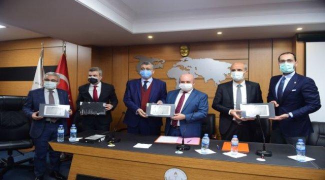 Dulkadiroğlu Belediyesi'nden öğrencilere tablet