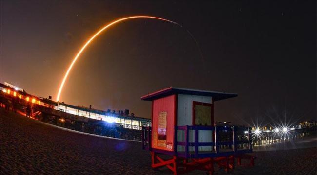 SpaceX'ten Uzaya 60 Uydu Daha!