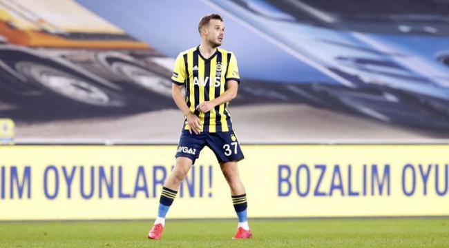 Fenerbahçe'de Novak Erzurum maçıyla 11'e dönüyor, sağ bekte Ozan yer alacak