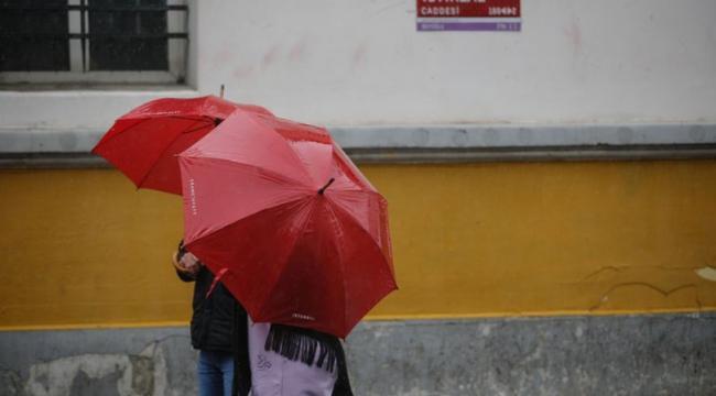 Meteorolojiden sel ve su baskını uyarısı! Sağanak yağış geliyor