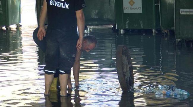 İstanbul'da sağanak yağış su baskınlarına neden oldu