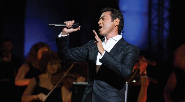 Yunan tenor Mario Frangoulis yeni albümünü Türkiye'de satışa çıkardı