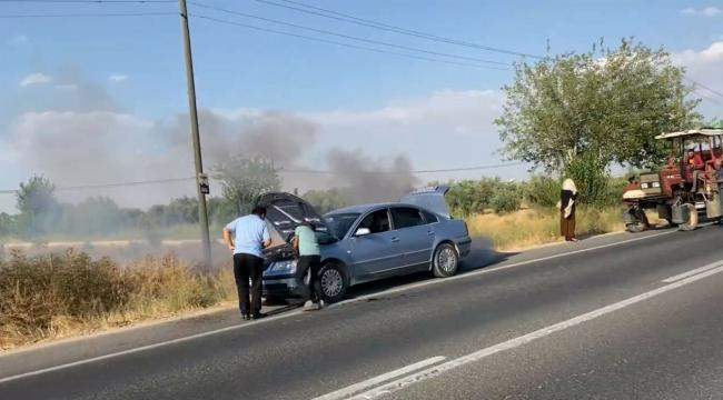Şanlıurfa'da şişelerle su taşıyarak otomobili yanmaktan kurtardılar